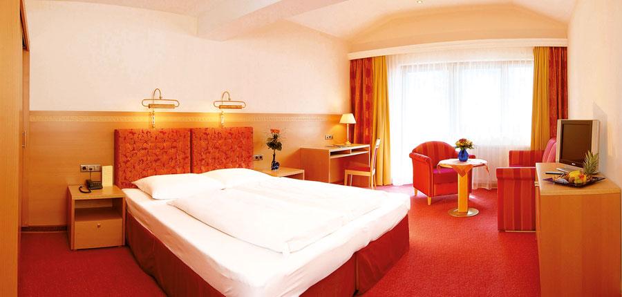 Hotel & Sporthotel Strass, Mayrhofen, Austria - double bedroom.jpg